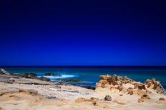 Linea costiera approssimativa a Fuerteventura Immagini Stock Libere da Diritti