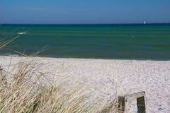 Linea costiera con le dune Fotografia Stock Libera da Diritti