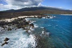 Linea costiera con le rocce della lava Fotografia Stock