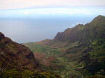 Linea costiera del Na Pali dall'allerta di Kalalau, Kauai, HI Immagini Stock