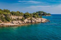 Linea costiera del Peloponneso fotografie stock libere da diritti