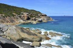 Linea costiera del sud dell'oceano nel parco nazionale del promontorio di Wilsons Immagine Stock Libera da Diritti