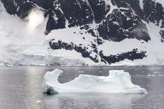 Linea costiera dell'Antartide Immagini Stock