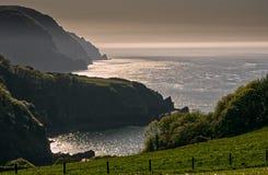 Linea costiera a Devon del nord, Inghilterra fotografie stock