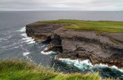 Linea costiera irlandese Immagini Stock