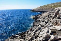 Linea costiera irregolare alla grotta blu, Malta Fotografia Stock Libera da Diritti