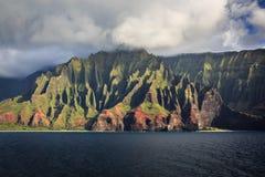 Linea costiera Kauai del Na Pali fotografia stock libera da diritti