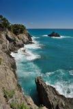 Linea costiera quando fanno un'escursione a Vernazza Fotografia Stock Libera da Diritti