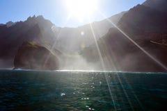 Linea costiera robusta di Napali di Kauai, Hawai, S.U.A. Immagine Stock
