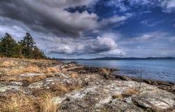 Linea costiera rocciosa Fotografie Stock