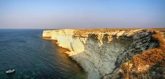 Linea costiera rocciosa Fotografie Stock Libere da Diritti