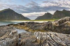 Linea costiera rocciosa sulle isole di Lofoten, Fotografia Stock Libera da Diritti