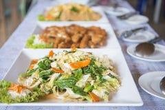 Linea del buffet per pranzo in ristorante Immagini Stock Libere da Diritti
