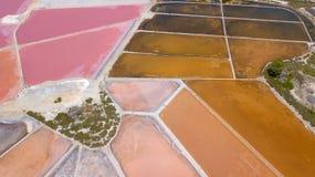 Linea del ` s della terra Una prospettiva verticale del fuco dei colori e delle forme del ` s di messa a terra Sali gli appartame Fotografia Stock Libera da Diritti