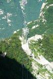 Linea della cabina di funivia di Huashan della montagna Fotografie Stock Libere da Diritti