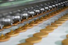 Linea della fabbrica di produzione della cialda e del biscotto fotografie stock libere da diritti