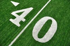 Linea delle yard quaranta sul campo di football americano Fotografie Stock