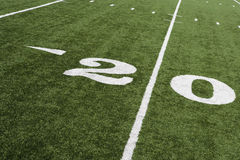Linea delle yard 20 sul campo di football americano Fotografia Stock