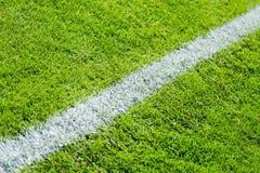 Linea di gesso sul campo sportivo Fotografie Stock Libere da Diritti