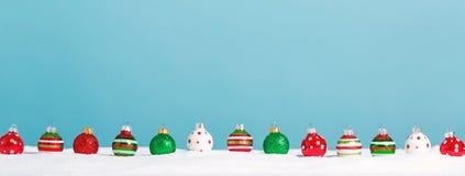 Linea di pochi ornamenti della bagattella Fotografia Stock Libera da Diritti