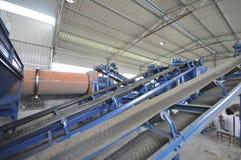 Linea di produzione del fertilizzante organico Fotografia Stock Libera da Diritti