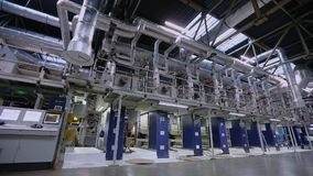 Linea di produzione della carta da parati, impianto di produzione della carta da parati, impianto di produzione moderno del trasp video d archivio