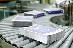 Linea di produzione di derivazione del libro dell'impianto tipografico fotografia stock libera da diritti
