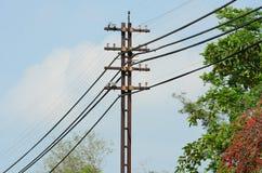 Linea di trasmissione ad alta tensione Fotografia Stock Libera da Diritti