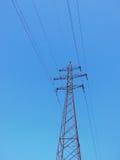 Linea di trasmissione ad alta tensione Fotografie Stock