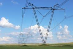 Linea elettrica ad alta tensione fotografia stock libera da diritti