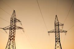 Linea elettrica ad alta tensione del cuscinetto del metallo Immagine Stock