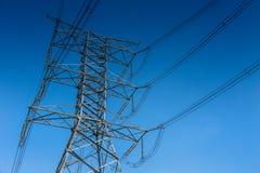 Linea elettrica ad alta tensione della torre di elettricità 500 chilovolt Fotografia Stock