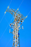 Linea elettrica ad alta tensione dettagliata Fotografie Stock Libere da Diritti