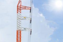 Linea elettrica ad alta tensione di elettricità Fotografie Stock