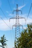 Linea elettrica ad alta tensione di fiducia Fotografie Stock Libere da Diritti