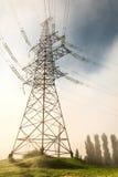 Linea elettrica ad alta tensione di sostegno Fotografia Stock Libera da Diritti