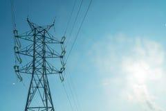 Linea elettrica ad alta tensione torretta Immagini Stock Libere da Diritti