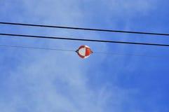 Linea elettrica aerea delle palle dell'indicatore Fotografie Stock Libere da Diritti