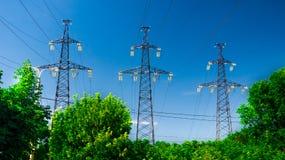 Linea elettrica contro il cielo Fotografie Stock