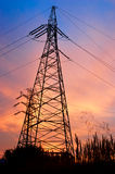 Linea elettrica della trasmissione e del pilone fotografia stock libera da diritti