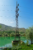 Linea elettrica fra il lago Immagini Stock Libere da Diritti