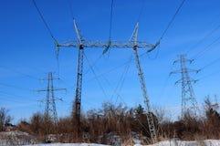 Linea elettrica nell'inverno Immagini Stock