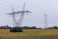 Linea elettrica torretta Immagini Stock