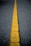 Linea gialla sulla via Fotografie Stock