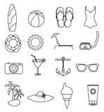 Linea icone della spiaggia di estate messe Fotografia Stock