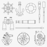 Linea icone marine messe Elementi nautici ancora, ruota, salvagente, bussola, arpone, pagaia, casco d'immersione di progettazione illustrazione di stock