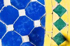 linea nelle mattonelle del Marocco ed in pavimento colorated Fotografie Stock Libere da Diritti