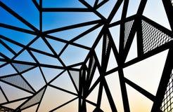 Linea progettazione d'acciaio del metallo di vista verticale all'aperto Immagine Stock