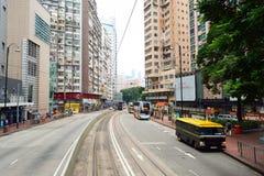 Linea tranviaria dell'autobus a due piani Immagini Stock