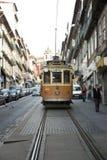Linea tranviaria gialla a Oporto, Portogallo Fotografie Stock Libere da Diritti
